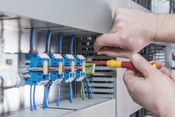trovare-pronto-intervento-elettricista-roma